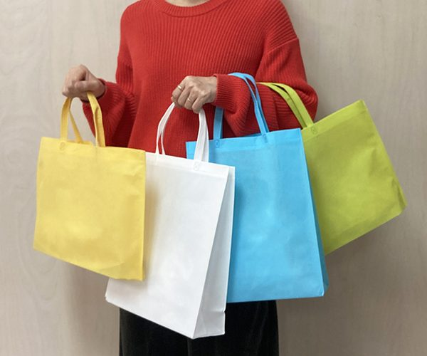 セール 不織布バッグ トートバッグ カラフル 名入れ お買い得 イベント 展示会 説明会